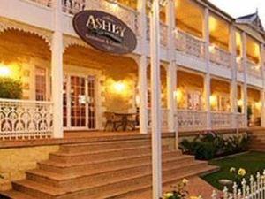 아쉬비 하우스 모터 인 (Ashby House Motor Inn)