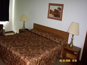 Econo Lodge Hotel & Conference Center Pierre