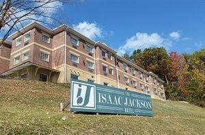 더 아이작 잭슨 호텔(The Isaac Jackson Hotel)