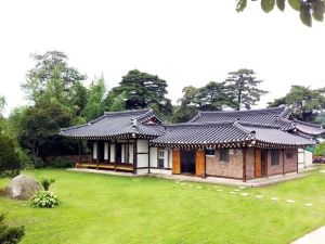 경복궁 펜션 (Gyeongbokgung Pension)