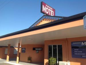 Parkside Motel & Licensed Restaurant