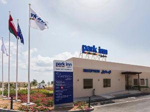 파크 인 바이 래디슨 호텔 앤 레지던스 (Park Inn by Radisson Hotel and Residence Duqm)