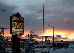 브랜딘 아이언 인 (Brandin Iron Inn West Yellowstone)