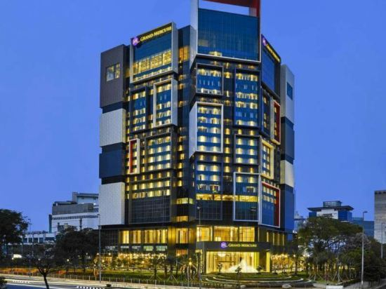 Hotels Near M Xg