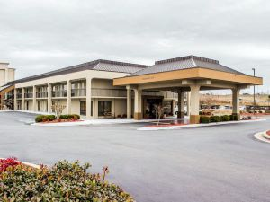 퀄리티 인 (Quality Inn Roanoke Rapids)
