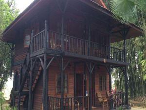 푸타오 트레킹 하우스 (Putao Trekking House)