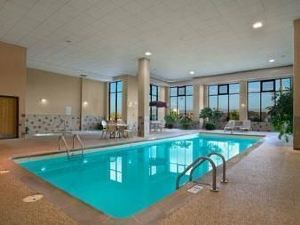 Howard Johnson Inn & Suites - Rapid City