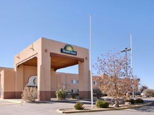 Days Inn and Suites Lordsburg