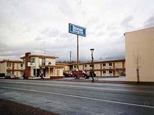 Rodeway Inn and Suites Omak