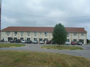 Wapak Inn & Suites