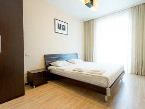 Apartment 5 Zvezd Revolution square