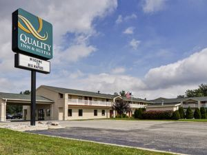 퀄리티 인 앤 스위트 (Quality Inn & Suites Big Rapids)