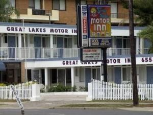 Great Lakes Motel