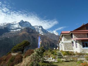 Everest Summit Lodge - Mende