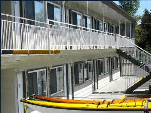 Comox Valley Inn & Suites