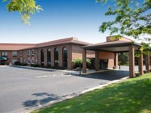 Quality Inn & Suites Flint Airport