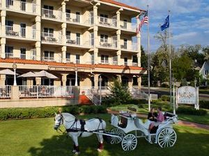 Bella Vista Suites Lake Geneva
