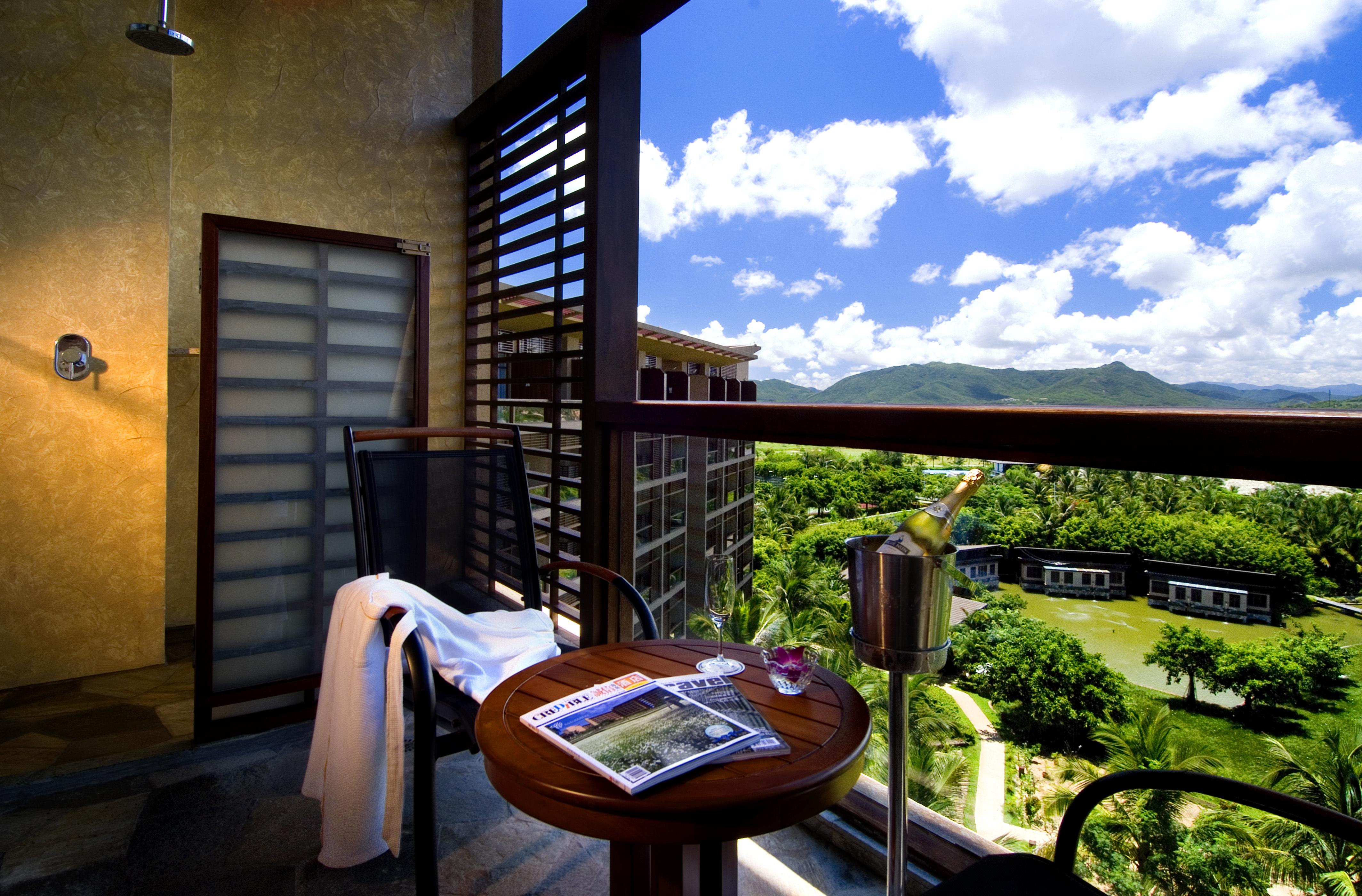 三亚亚龙湾红树林度假酒店1晚+三亚旅游观光穿梭巴士