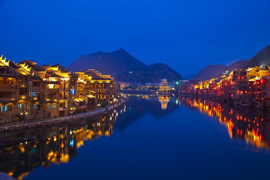 【舞阳河】国家级风景名胜区舞阳河,位于历史文化名城镇远县城西28