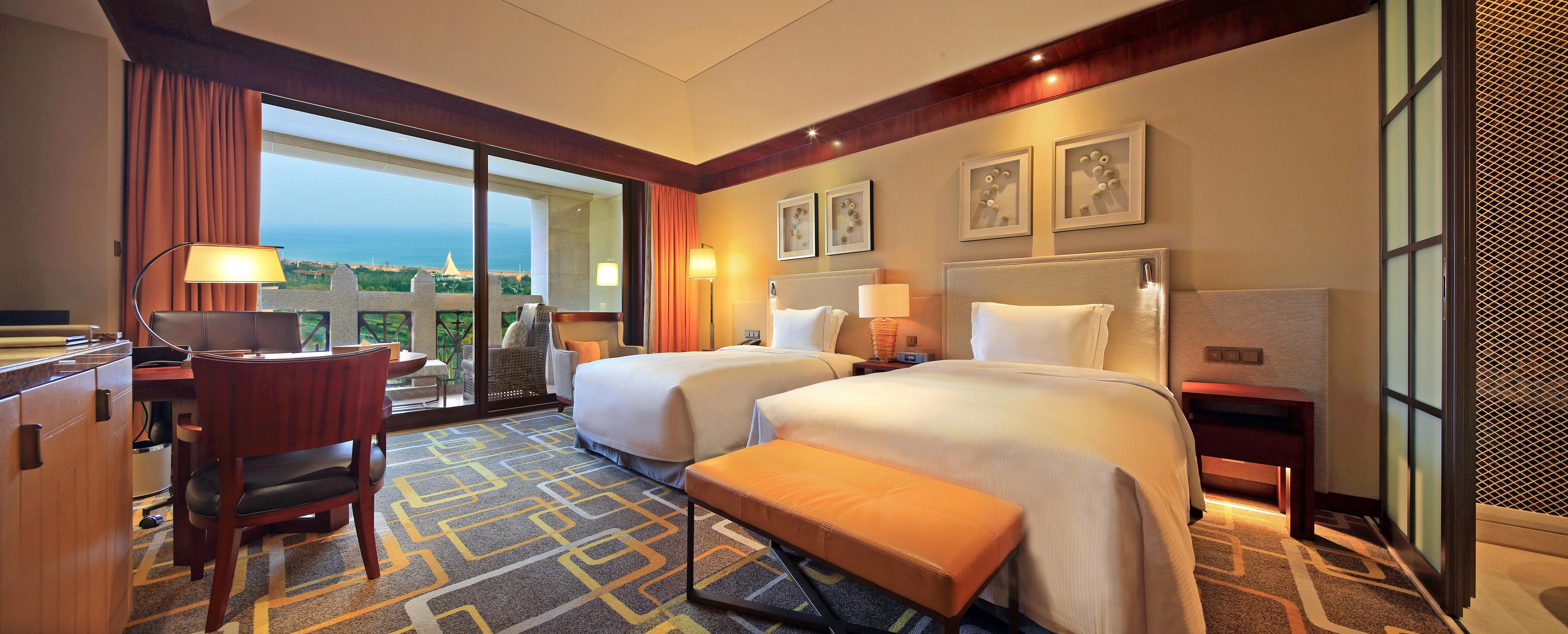 青岛金沙滩希尔顿酒店1晚+珠山杜鹃赏
