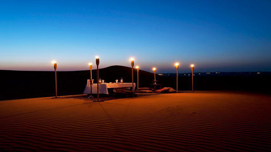 建于迪拜沙漠野生动物保护区内的奢华别墅