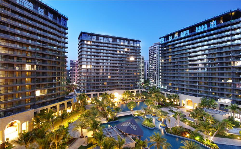 三亚湾希尔顿欢朋酒店-私人泳池及餐厅