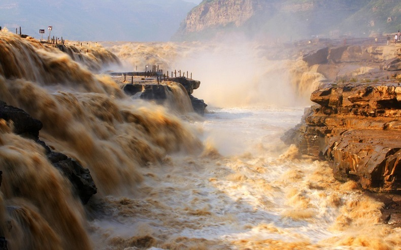 壁纸 风景 旅游 瀑布 山水 桌面 790_493