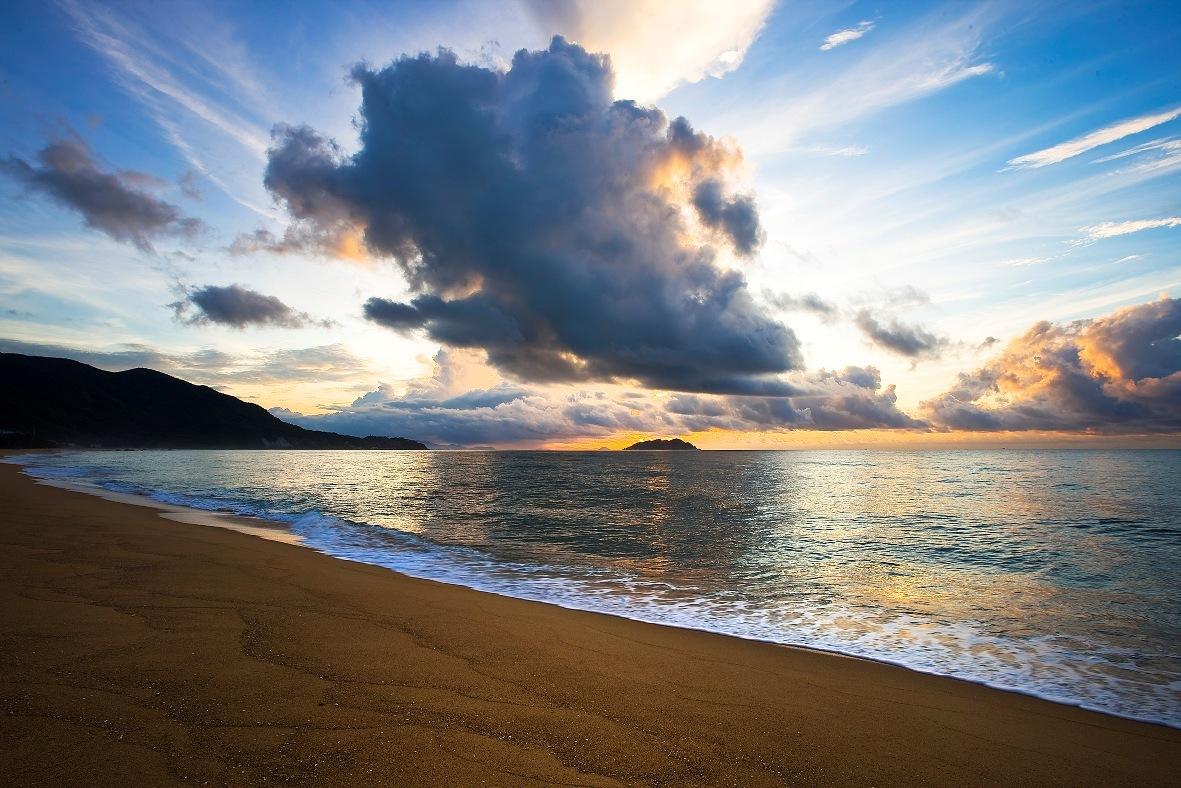 三亚湾假日酒店+分界洲岛+香水湾