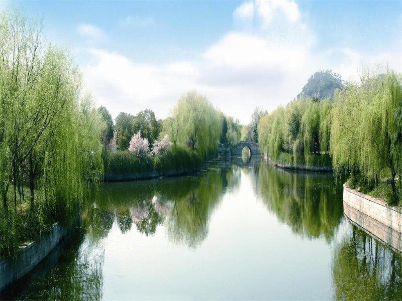 主要景观有华东著名风景区五泄