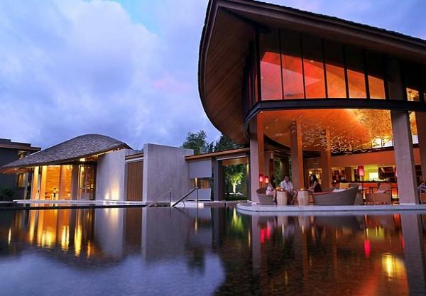 豪华国际五星普吉岛万丽度假酒店