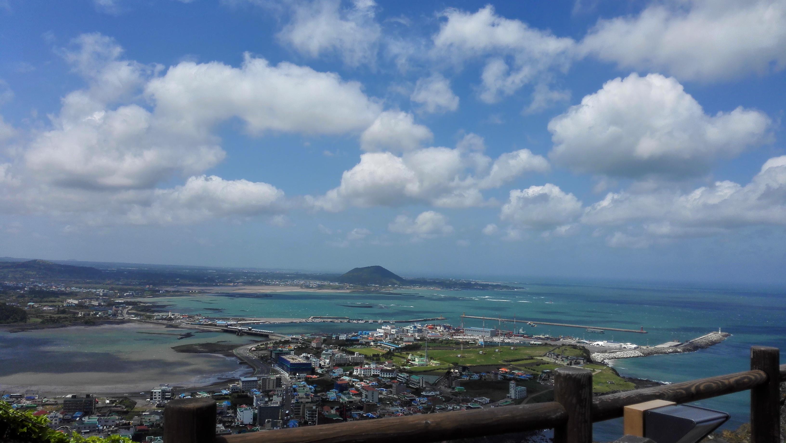 很满意 济州岛的风光美不胜收,很干净,人民很友好,美中不足的是酒店