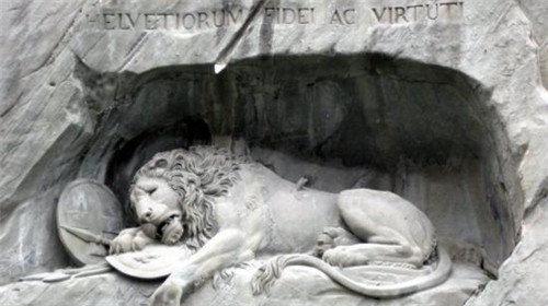 卢塞恩-世界上最忧伤的狮子