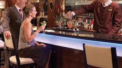 酒吧服务员