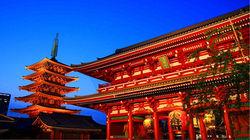 灯光下的浅草寺