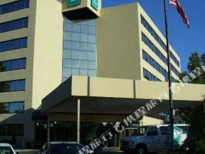 Embassy Suites Kansas City-Overland Park