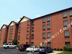 Hampton Inn and Suites Cleveland/Middleburg Heights, OH