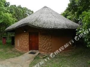 Gooderson Dumazulu Lodge and Traditional Village