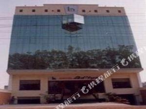 호텔 아디티야 (Hotel Aditya)