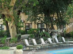 크레스타 라일리스 호텔 (Cresta Riley's Hotel)