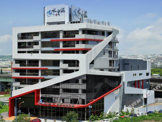 台中水雲端旗艦概念旅館