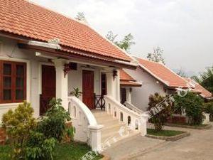 방뭉쿤 게스트하우스 (Vangmoungkhoun Guesthouse)