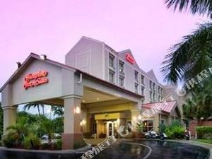 Hampton Inn & Suites Fort Lauderdale Airport