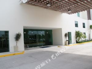 Holiday Inn Express Cd. Del Carmen