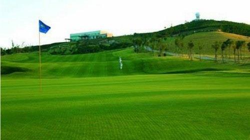 青岛2日1晚高尔夫套餐·即墨天泰温泉高尔夫1场球