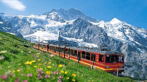 瑞士+德国+奥地利靓丽阿尔卑斯11日舒适跟团游