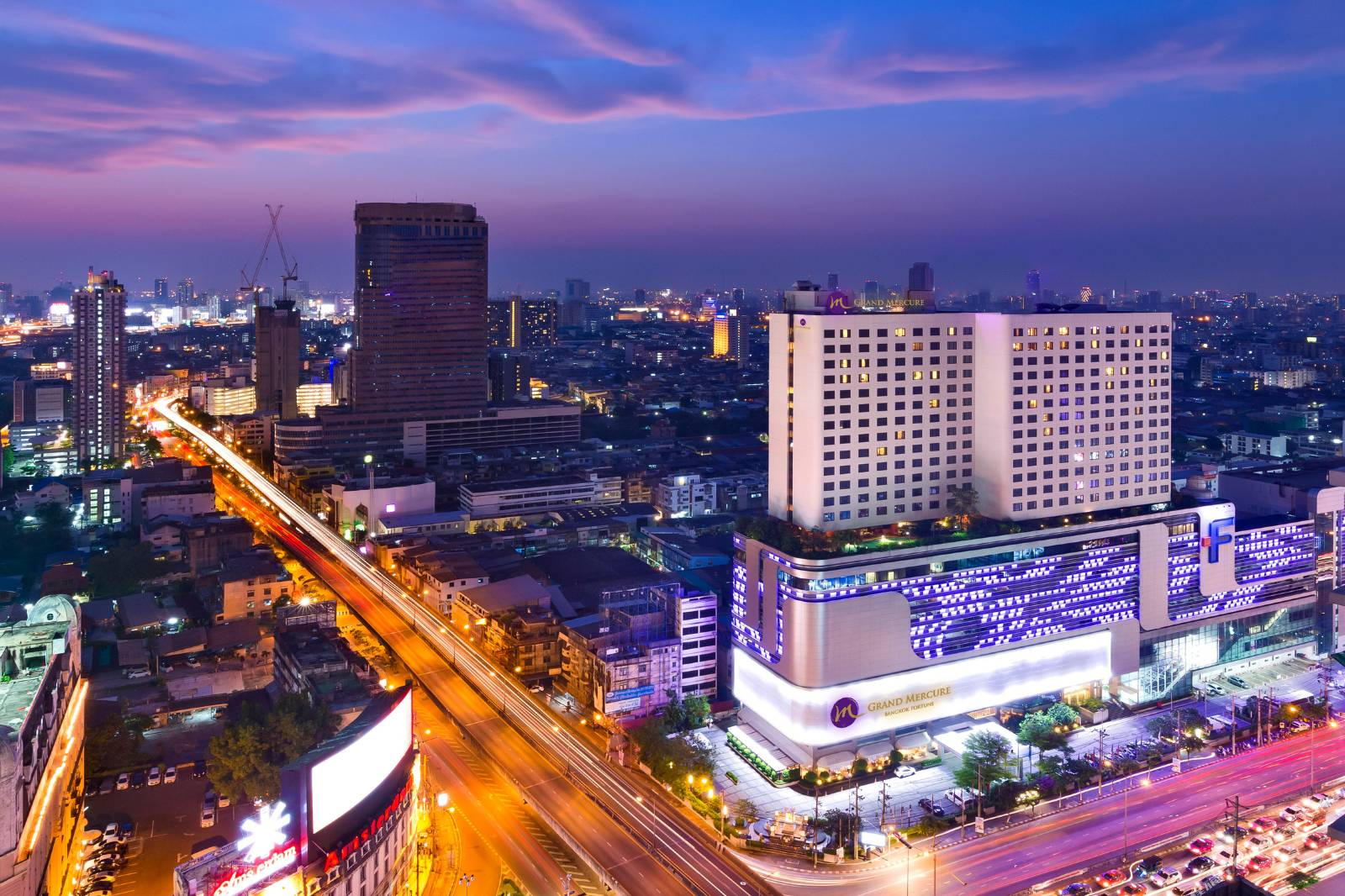 Grand Mercure Bangkok Fortune