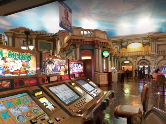 Are there any casinos in rome italy