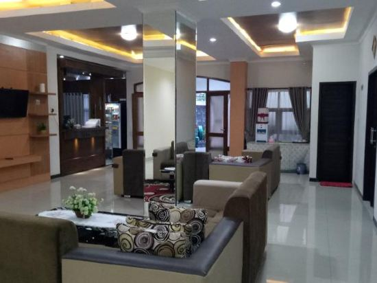 Hasanah Guest House Gajayana Kota Malang Price Address Reviews