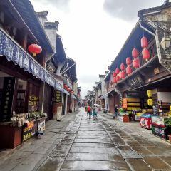 툰시 역사가로 여행 사진