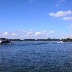 Thousand Island Lake, Central Lake Area User Photo